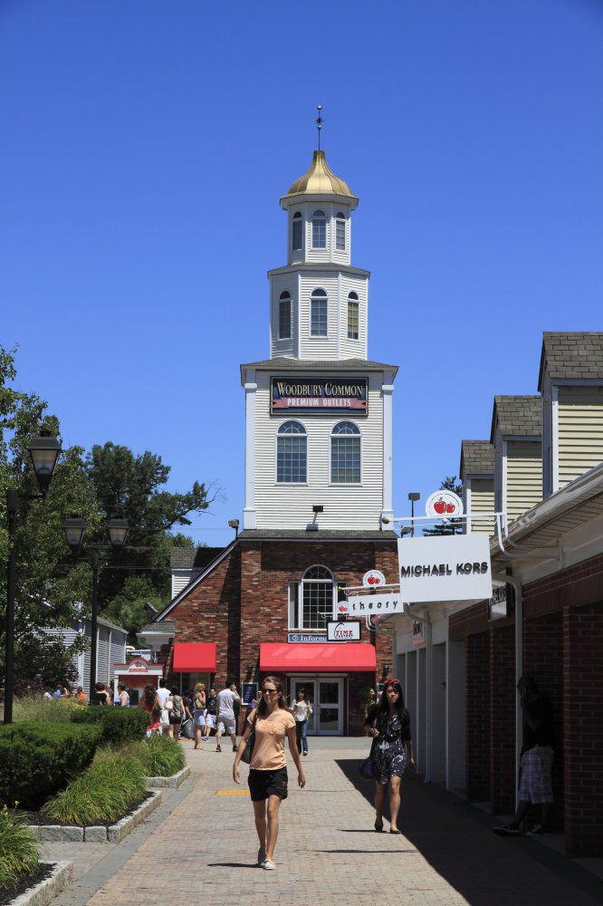 Woodbury Common Premium Outlets Shopping